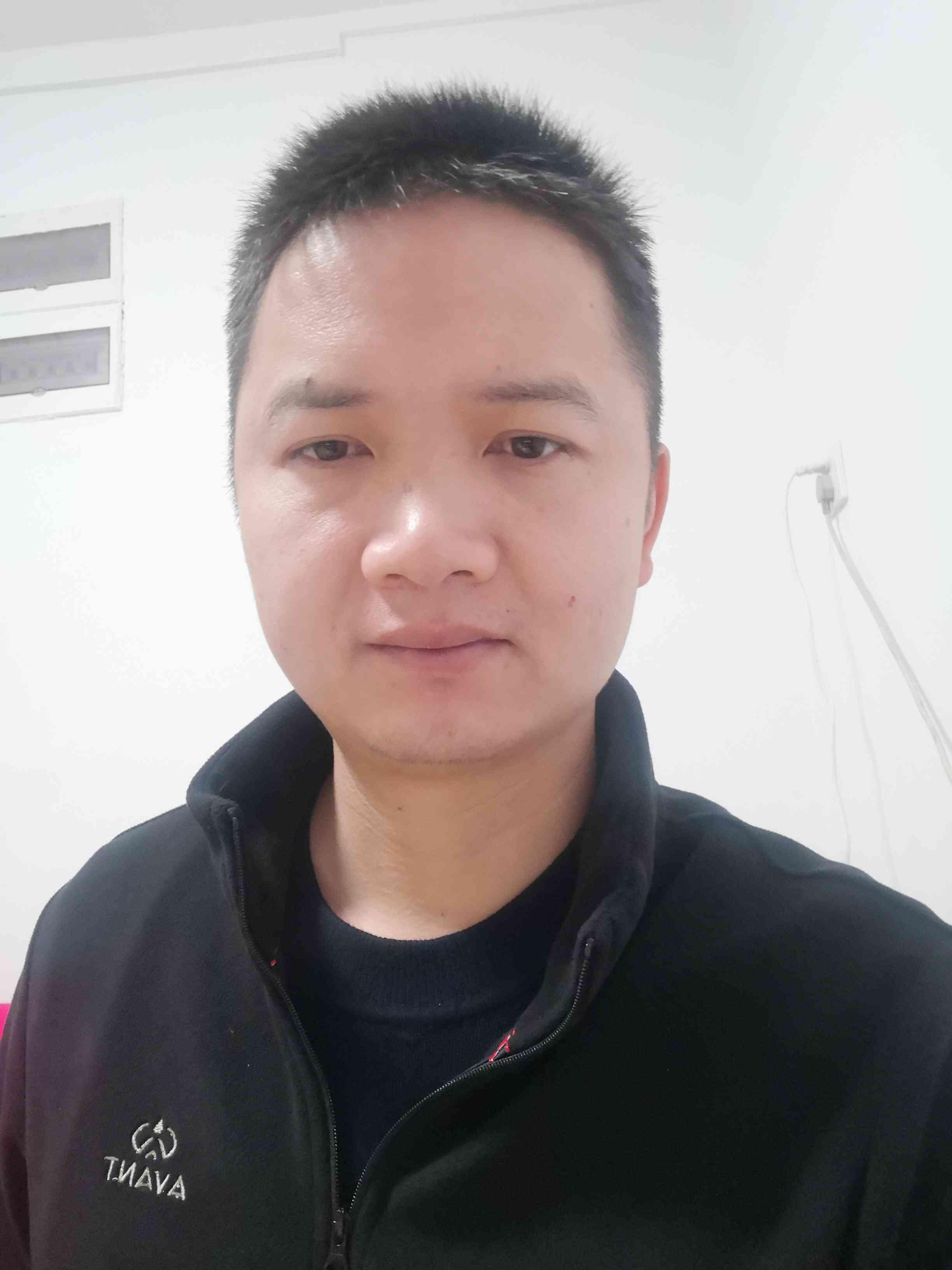 浙江杭州西湖区五月的天蓝